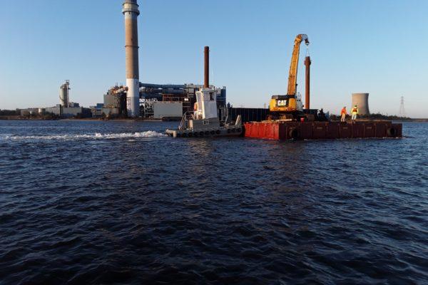 19.10.23 - Barge Underway-min